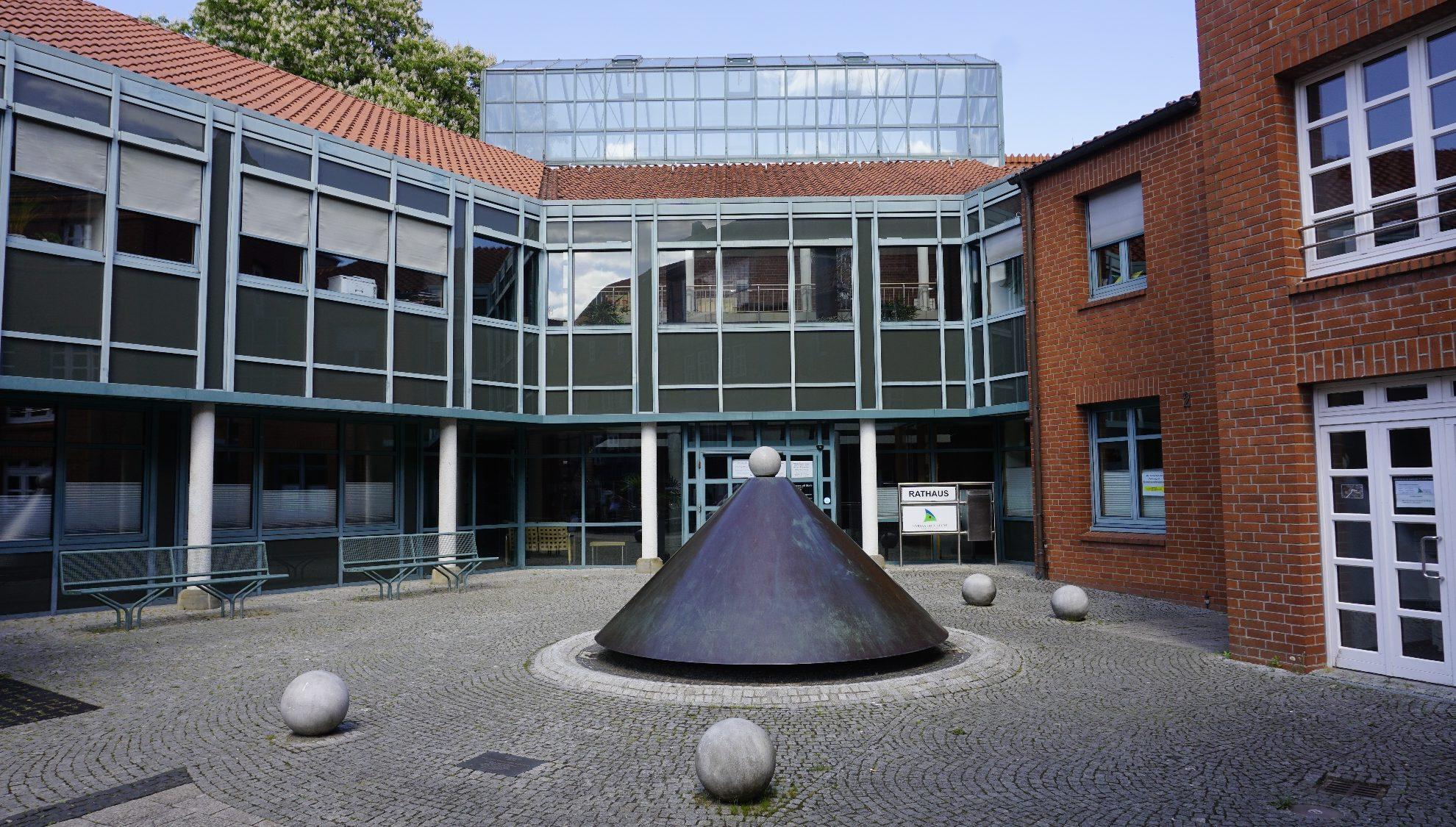 Rathaus Stade, Neubau Haupteingang