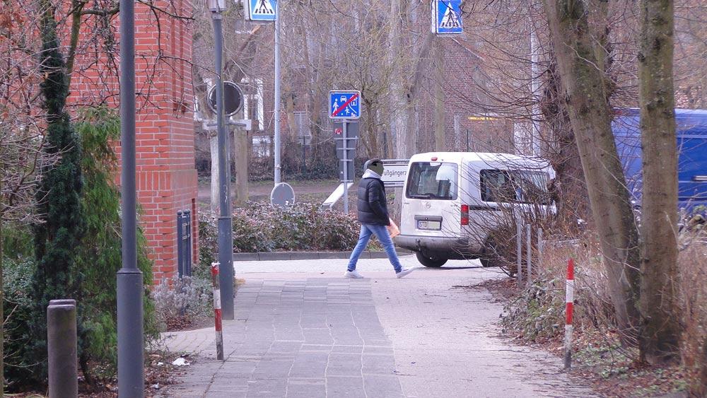 Stade zu Fuß entdecken - Schilderwald und Fußweg, März 2021