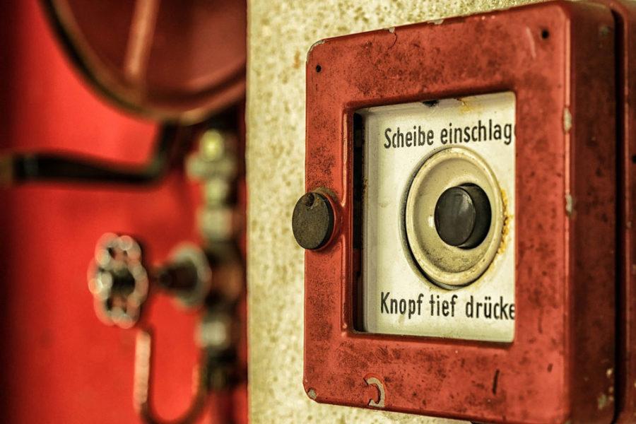 Feuermelder zum Auslösen des Alarms bei Feuer - Ehrenamt Feuerwehr